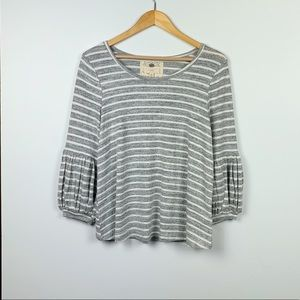 CUPIO striped grey + cream top size M